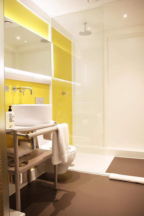 Qbic hotel London bathroom